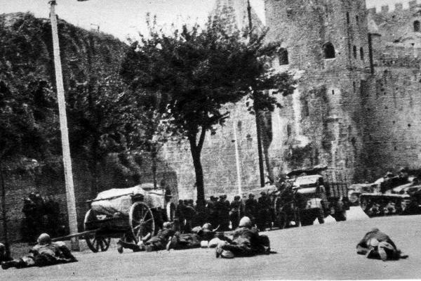 Militari italiani a Porta San Paolo il 10 settembre 1944